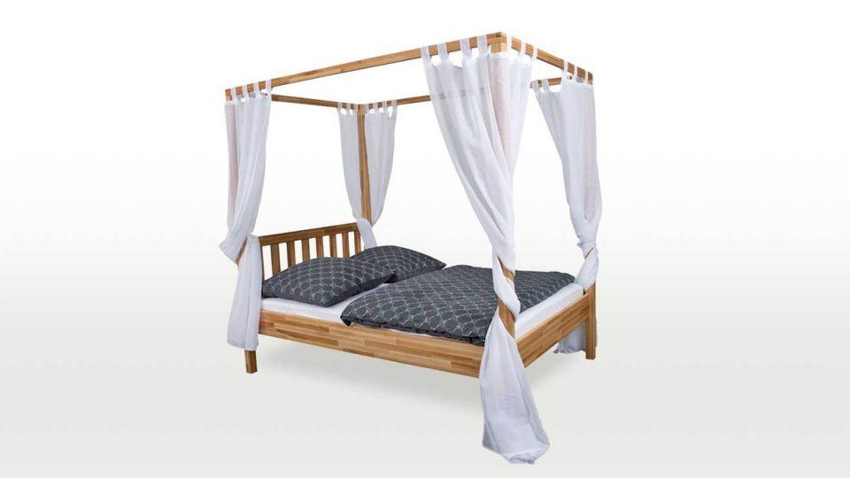 Bett Karoline - erhält durch individuelle Vorhänge seinen individuellen Charakter.